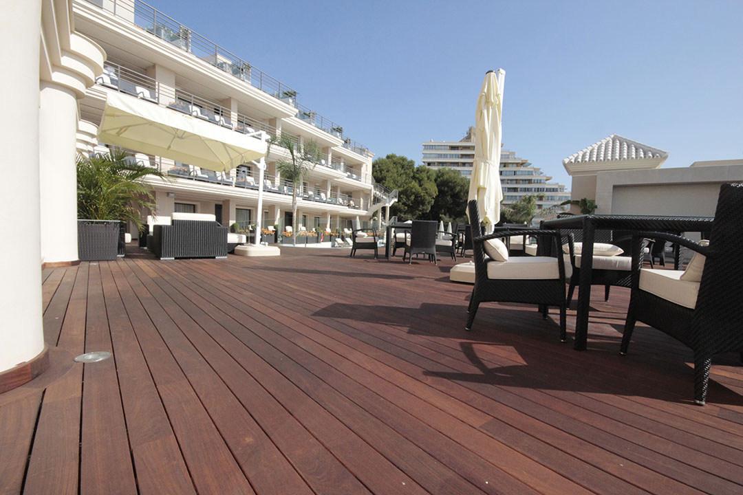 HotelVincci-Tarima-Exterior-Ipe(8)