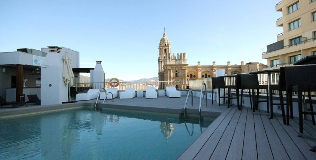 Hotel-Molina-Lario-Tarima-Exterior-Sintetica-Timbertech