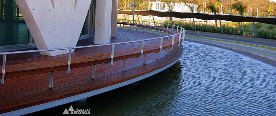 Tipos de madera para uso exterior: maderas naturales tropicales