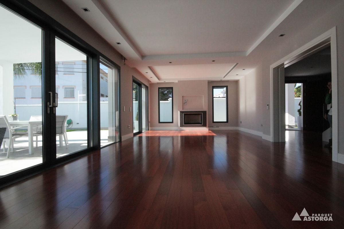 Tonos y colores en suelos qu tonos elijo en el parquet for Salones con muebles oscuros