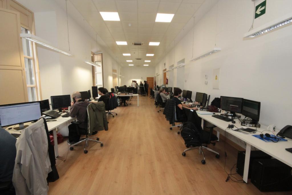 Oficinas de la empresa ebury parquet astorga for Oficinas de renfe en madrid