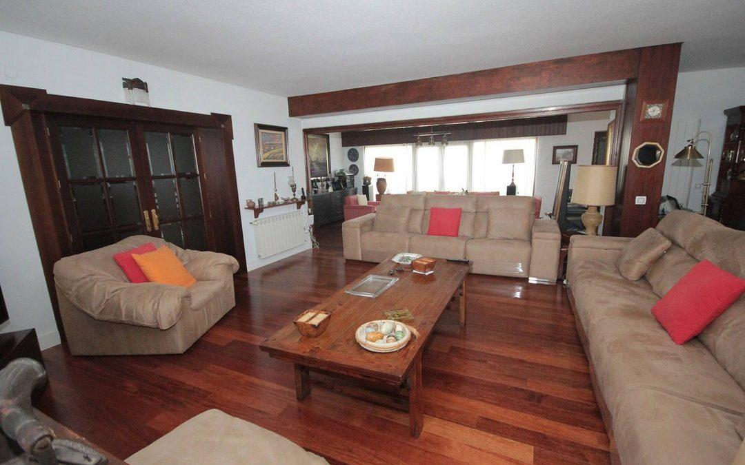 Mantenimiento de los suelos de madera en interiores parquet tarima flotante y tarima maciza - Tarima madera interior ...