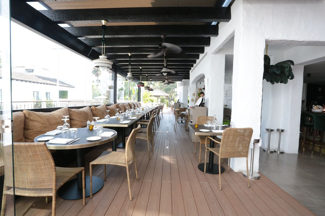Monkey club hotel puente romano parquet astorga - Hotel astorga malaga ...