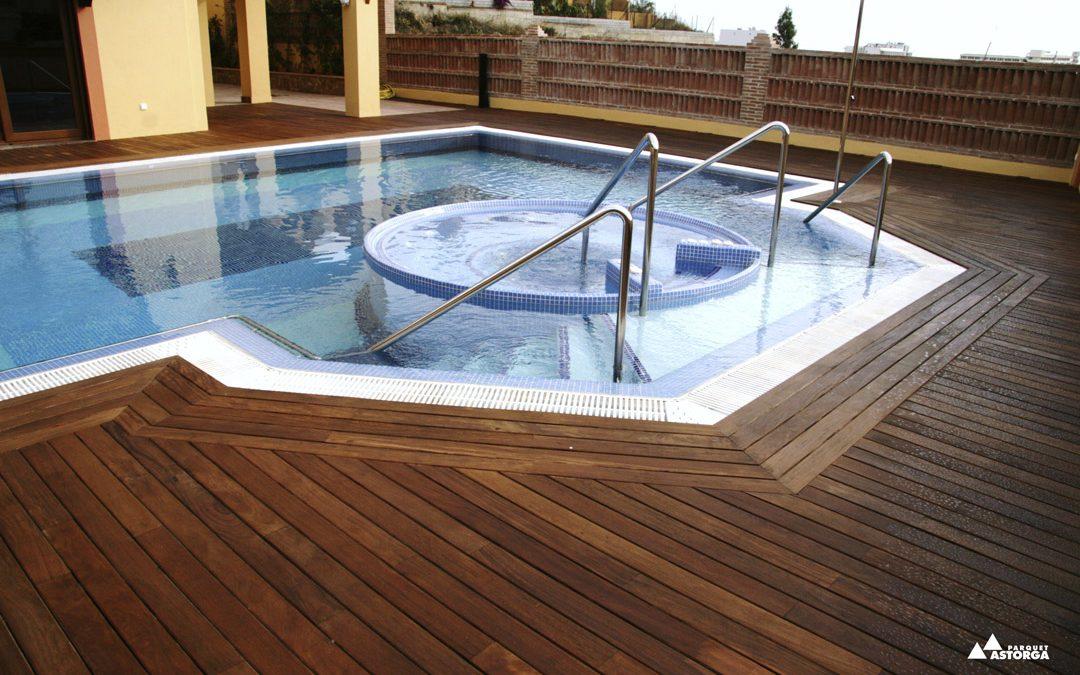 Tarima exterior de madera y tarima exterior sintética o composite: mantenimiento y limpieza