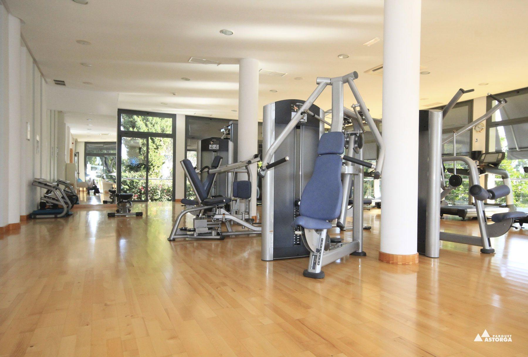 El suelo perfecto para un gimnasio parquet astorga - Suelo gimnasio ...