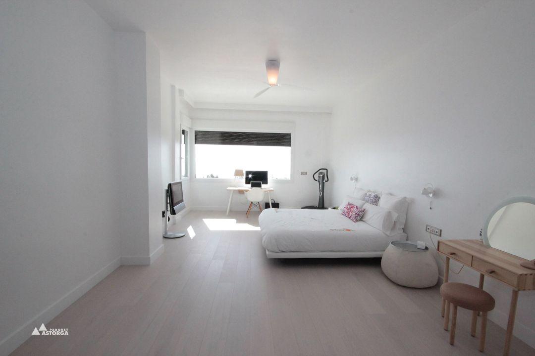 C mo combinar el parquet y la tarima con muebles y puertas - Como poner un suelo de madera ...