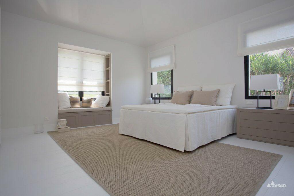 Combinar parquet con puertas y muebles