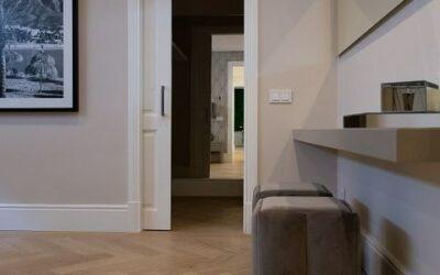 Cómo combinar el color del suelo con el de paredes y puertas